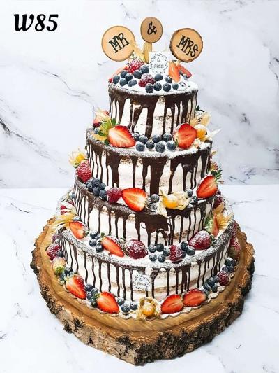 Naked cake z czekoladą