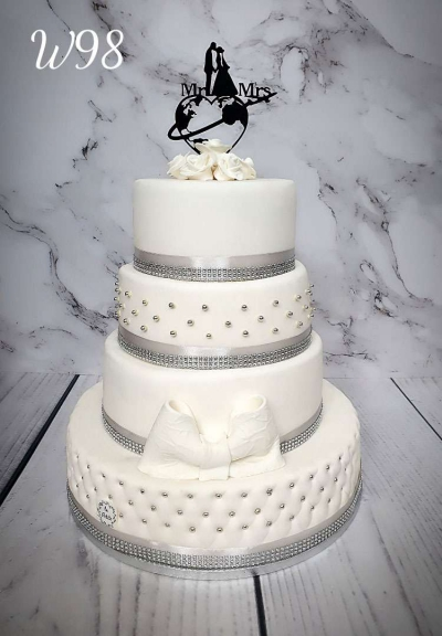 Tort weselny Silver Cake