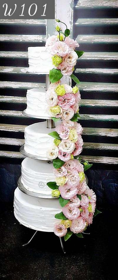 Tort weselny- klasyczna elegancja w wersji kwiatowej